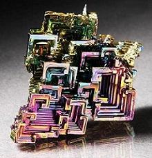 Cristal sintético de bismuto